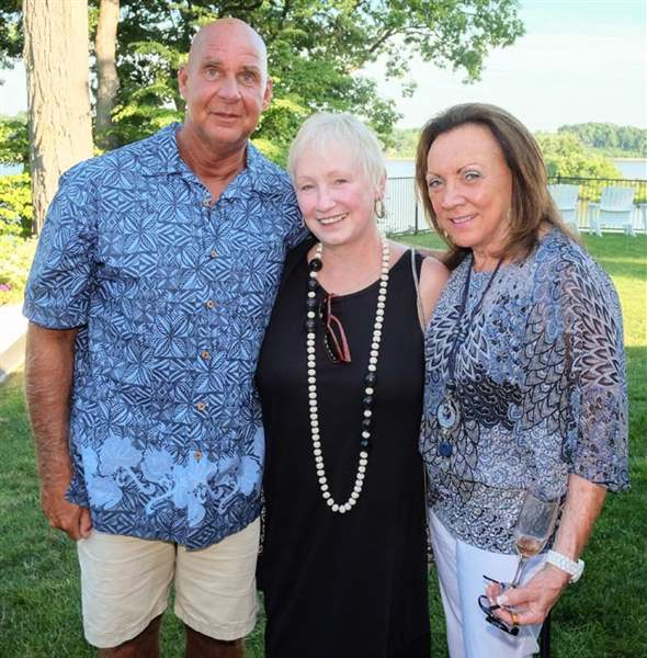barefoot at the beach raises funds for kids