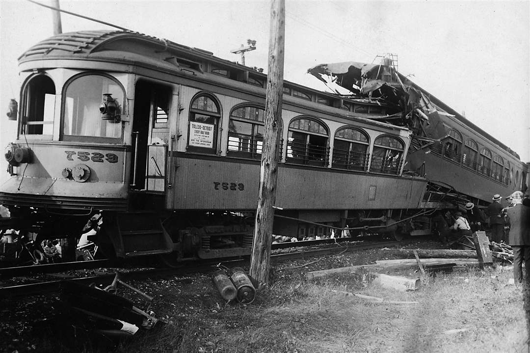 VLT-interurban-crash-1
