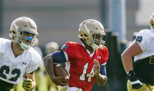 Notre-Dame-Kelly-Football-2