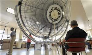Electric-Fans-Elderly