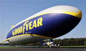 Goodyear-Blimp-15