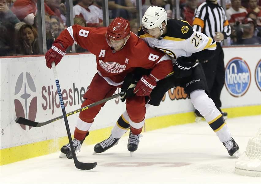 Red Wings' winning & JLA streak snapped by Boston, 1-0 Bruins-Red-Wings-Hockey-57