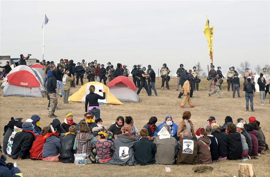 Dakota pipeline protesters are increasingly divided over tactics