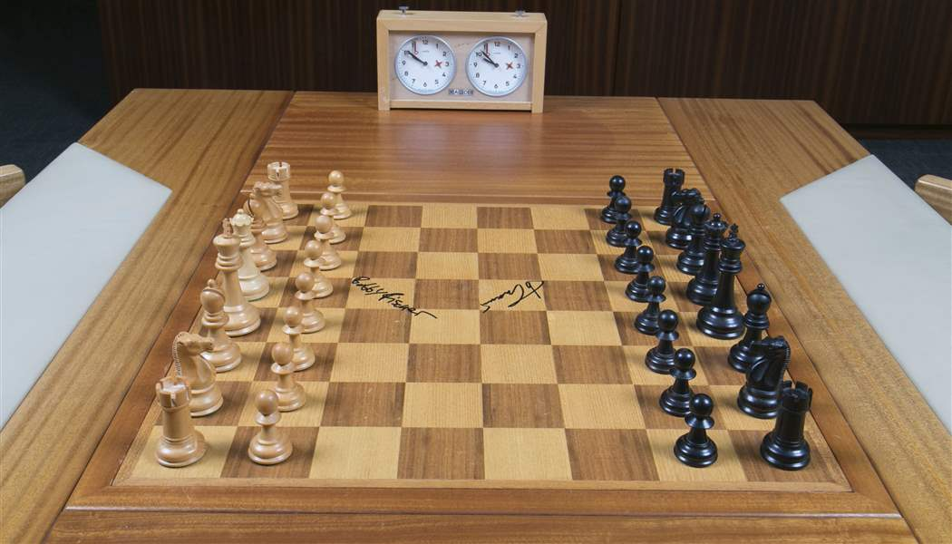 Auctions In Ohio >> Chess pieces of history: Board used by Fischer, Spassky up ...