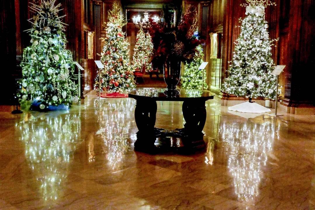 Bowling Christmas Tree Stand