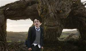 Film-Review-A-Monster-Calls-Lewis-MacDougall