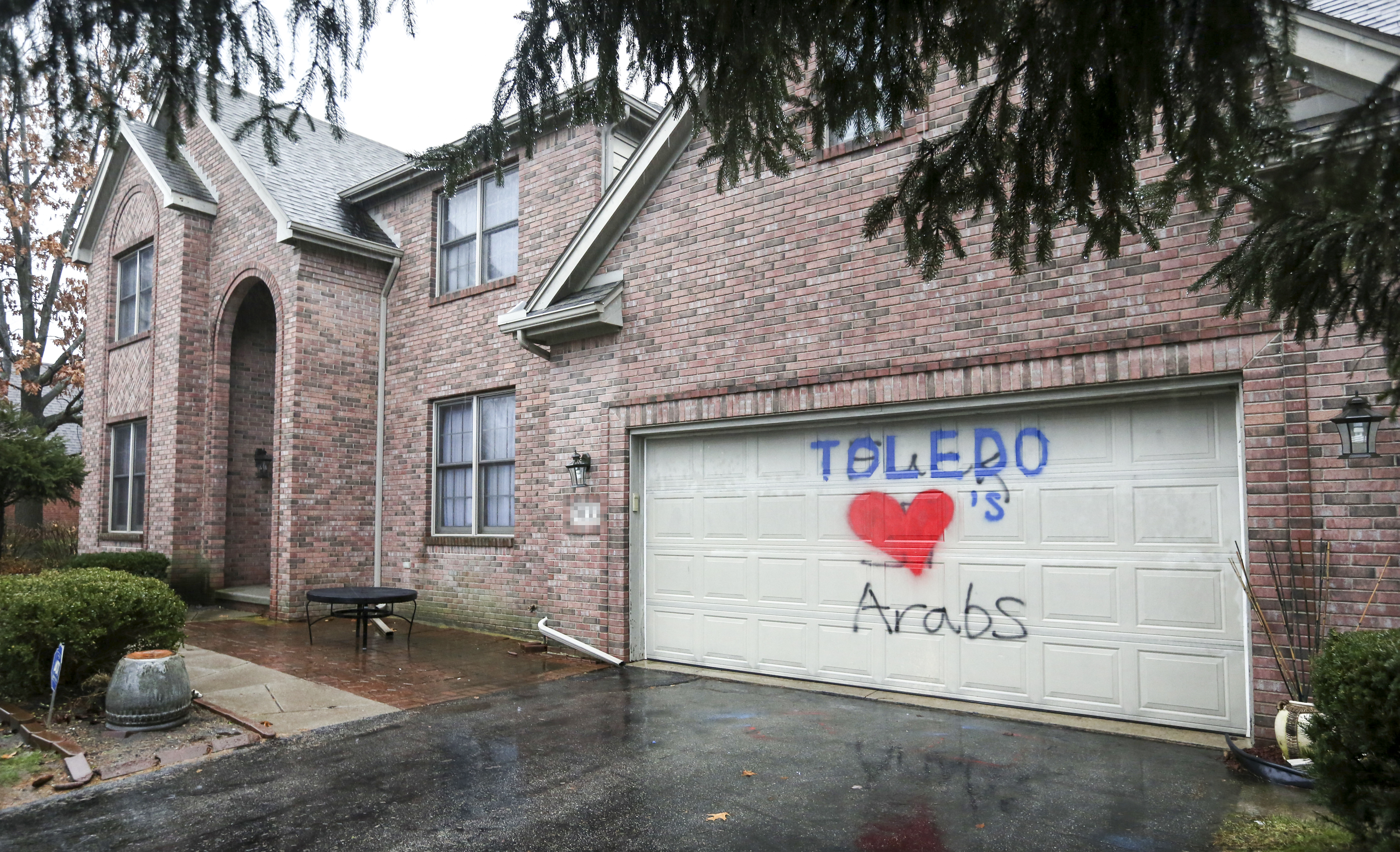 Hateful graffiti in Sylvania Township turned into message of love