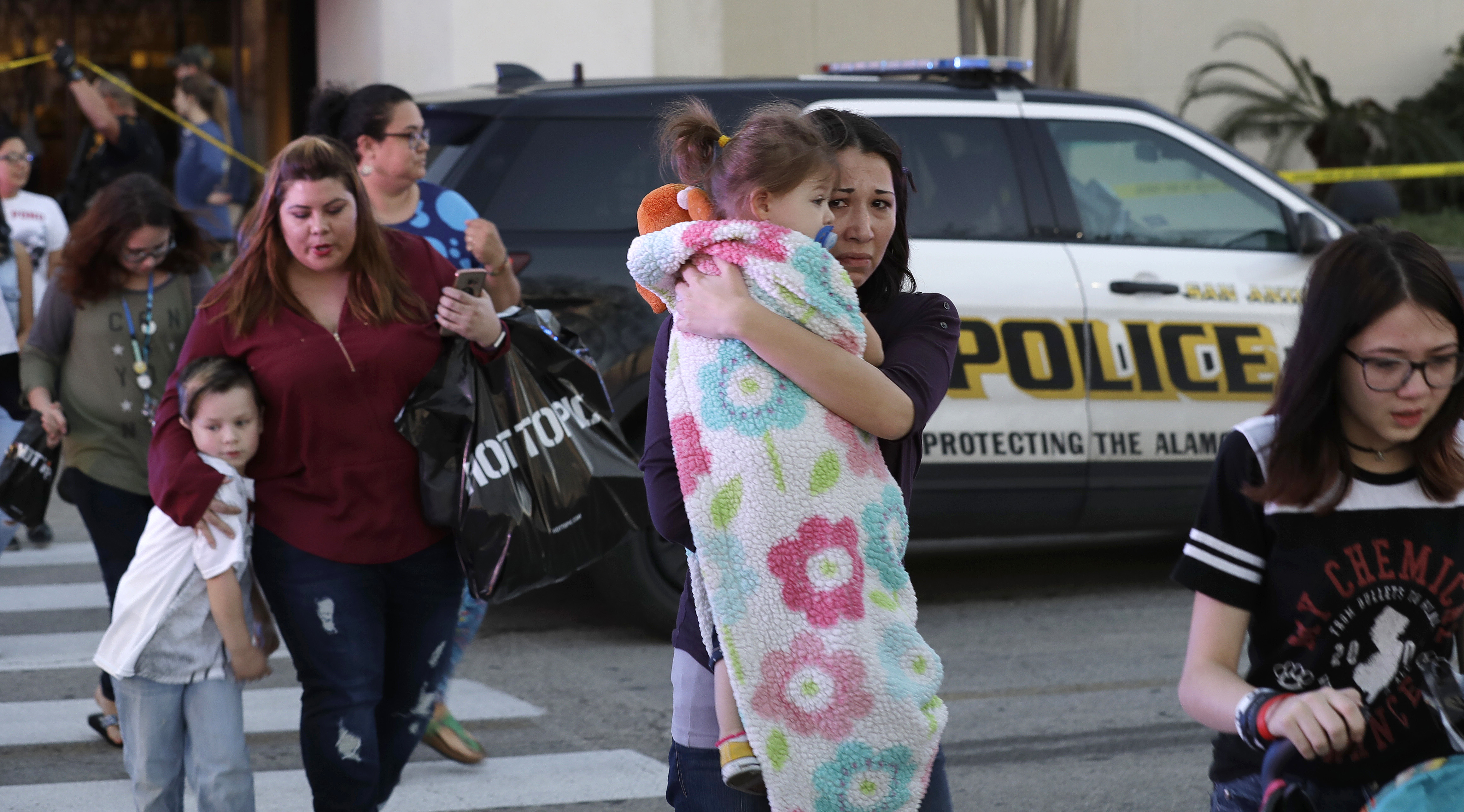 At Least 1 Killed In San Antonio Mall Shooting The Blade