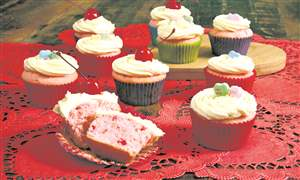 Food-American-Table-Valentines-Cupcakes-1