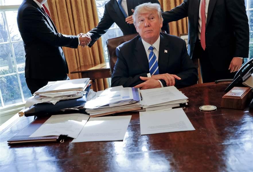Republican elders urge Trump's White House to adopt carbon tax