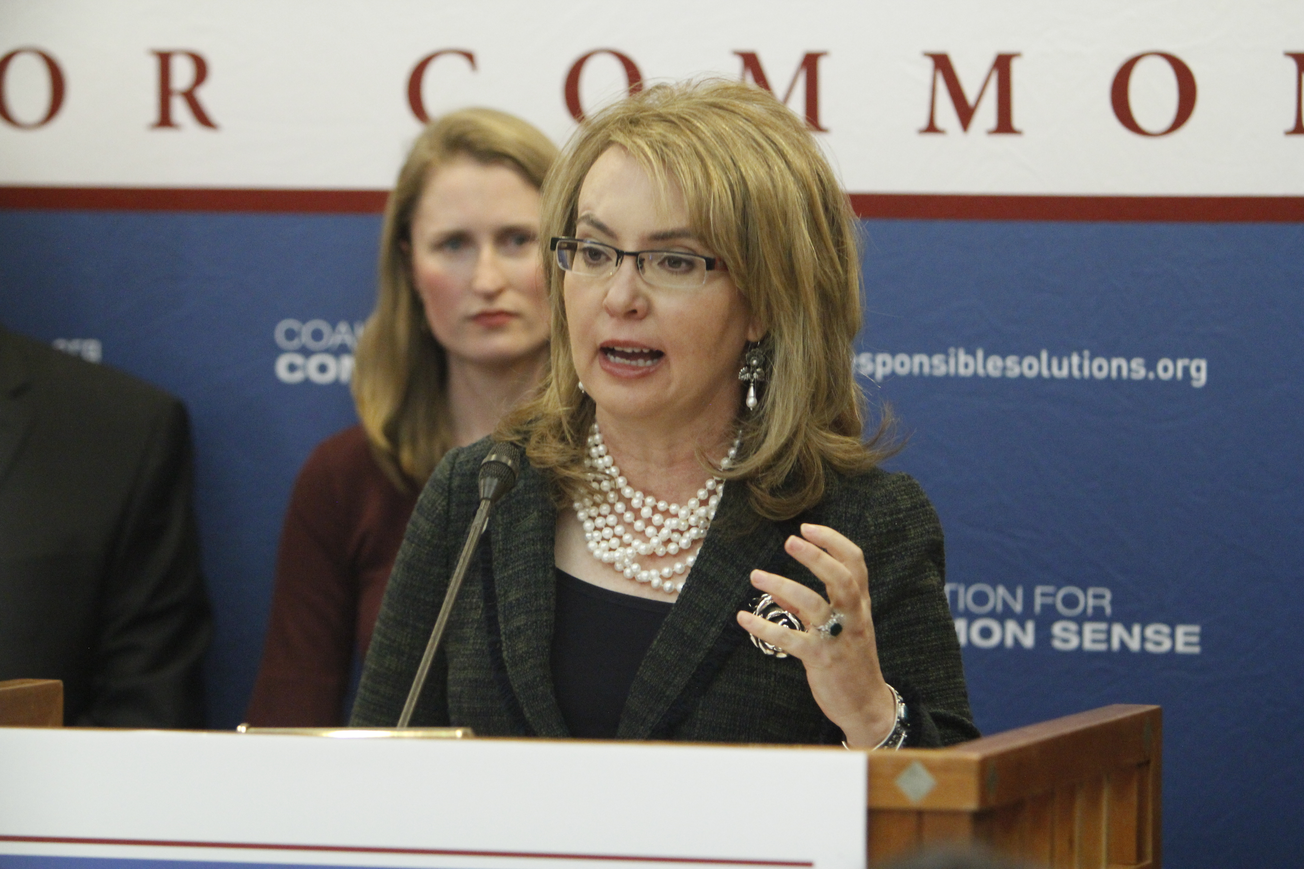 Gabrielle Giffords Courage Giffords To Lawmakers Have Some Courage And Meet Voters