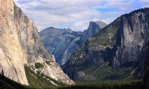 Glacier-Point-trail-in-Yosemite