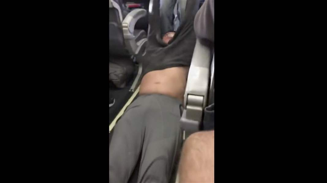 United-Passenger-Removed-1