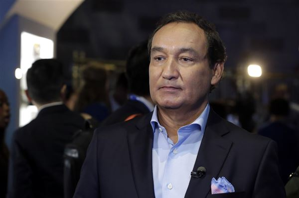 United Airlines CEO: No one will be fired in passenger ejection