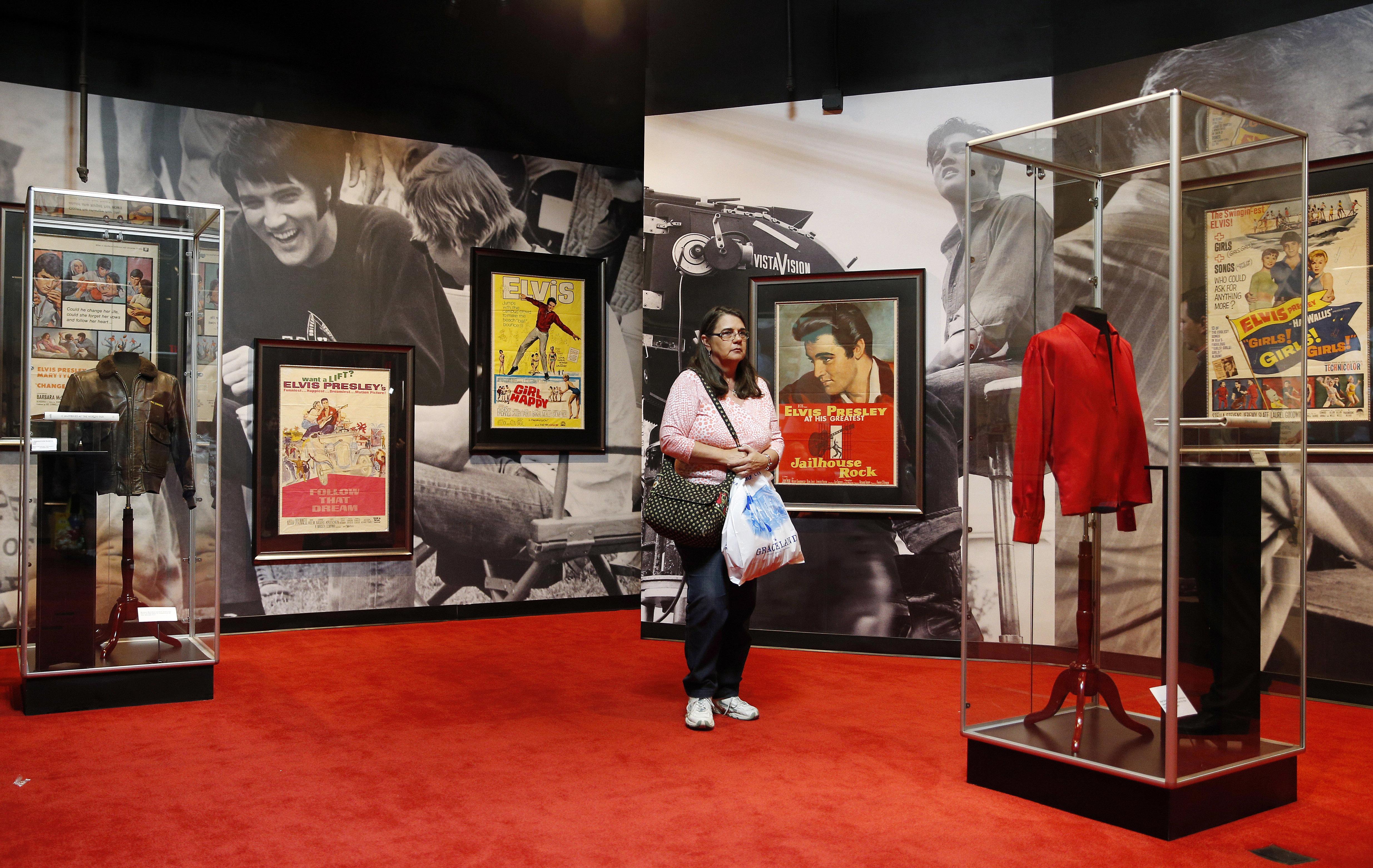 Casino Still Holding Elvis Presley Items Sought By Estate