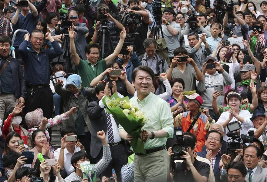 Exit Polls: Liberal Moon Headed for Landslide South Korea Win