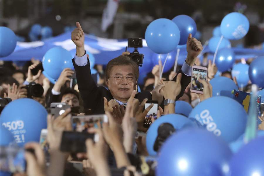 South Koreans vote for new leader after scandal
