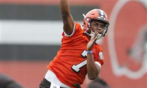 Browns-Rookie-Camp-Football-4