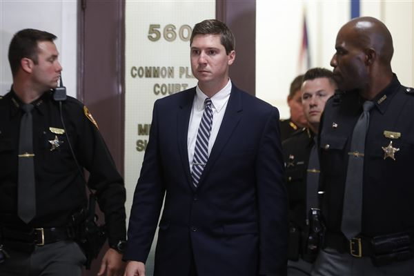 Potential jurors asked opinions in Ohio cop's murder retrial