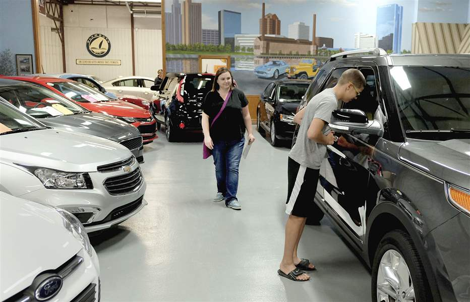 Market for used cars revving up - The Blade