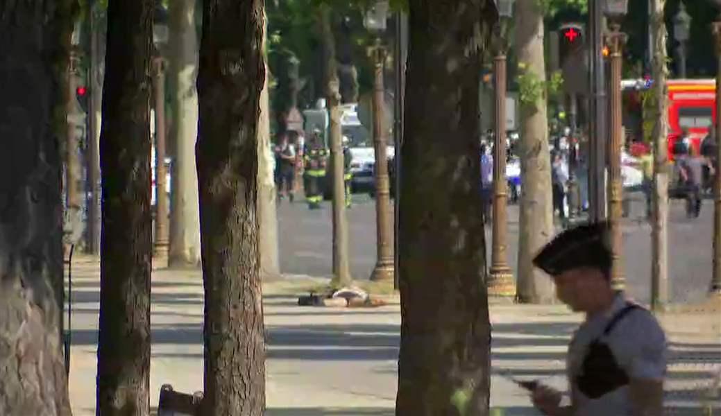 Driver crashes into Paris police vehicle , taken into custody