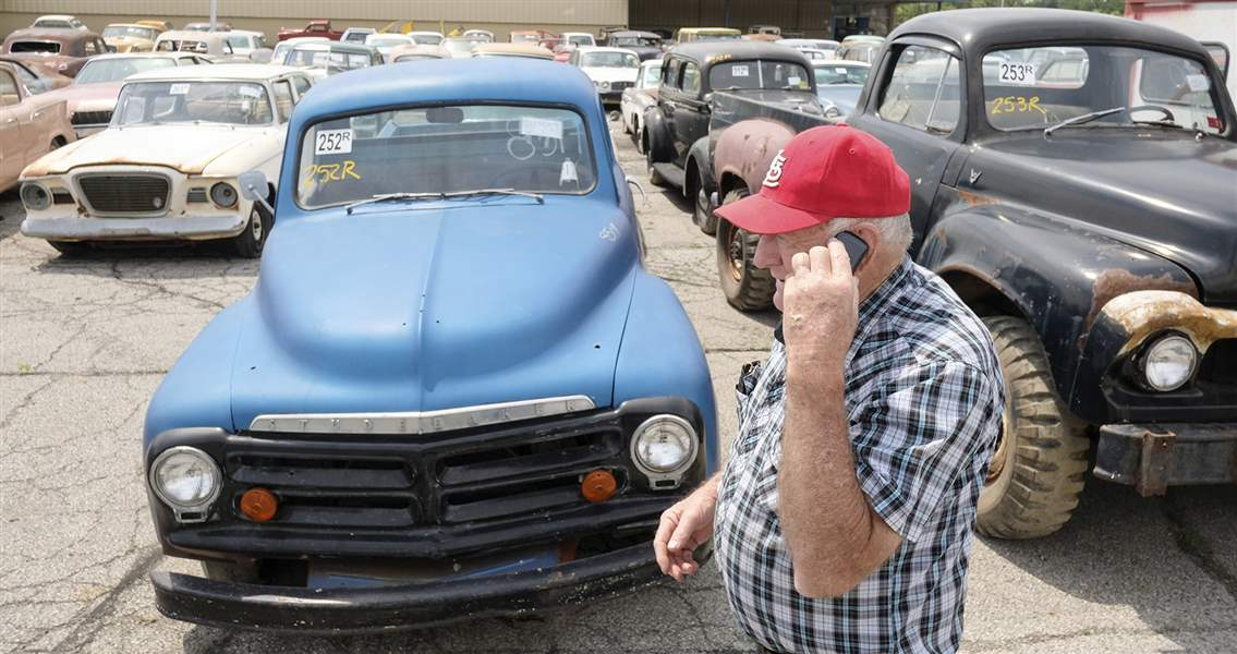 Over 700 vehicles at Norwalk man\'s ultimate garage sale - The Blade