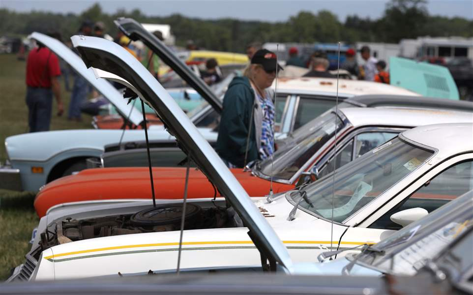 Norwalk vintage car auction brings in $2 million - The Blade