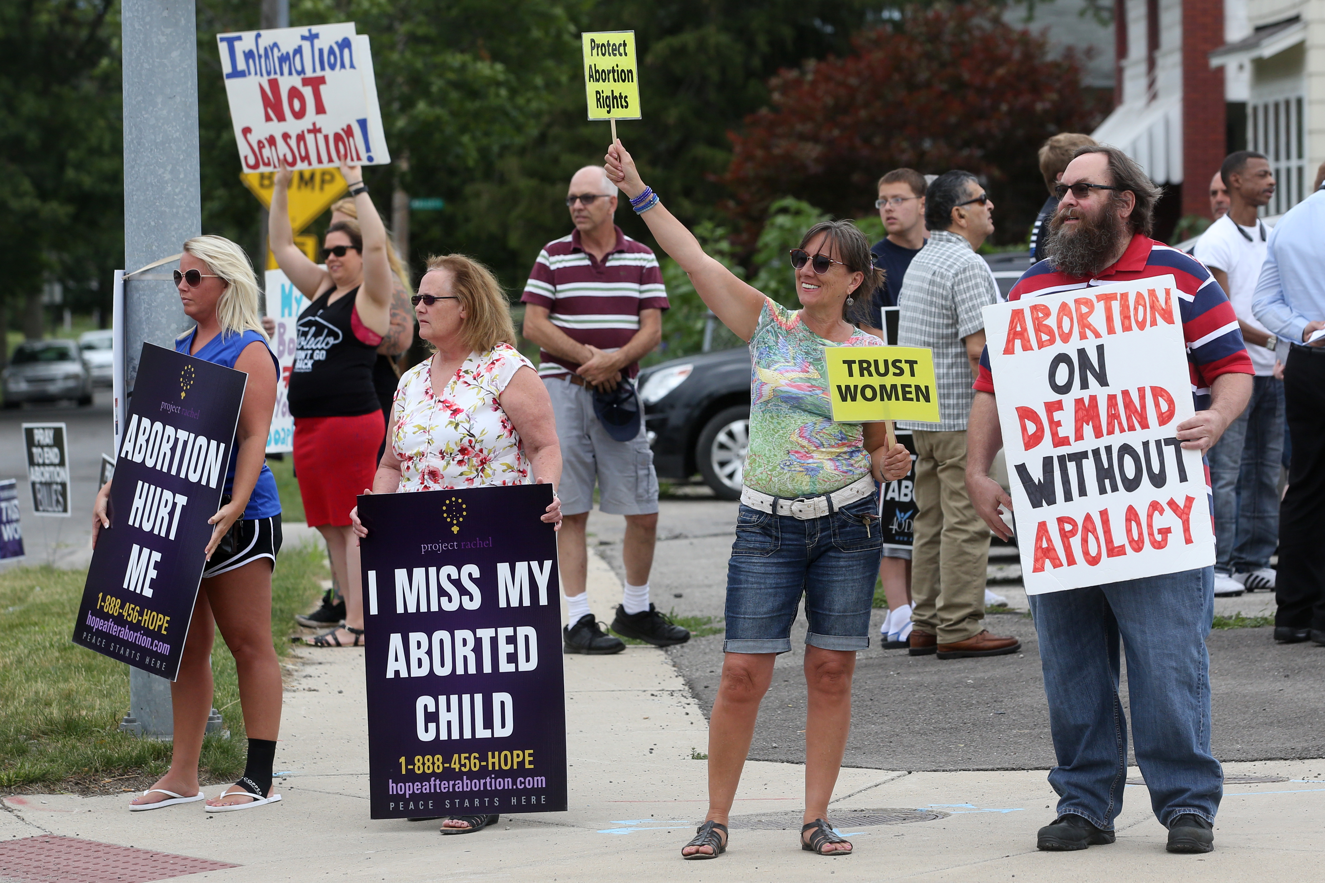 abortion womans right 1 abortion: a woman's right an examination of what may be the most controversial and crucial moral issue of our day tyler young conducts a candid discussion of abortion from cultural, scientific and biblical perspectives.