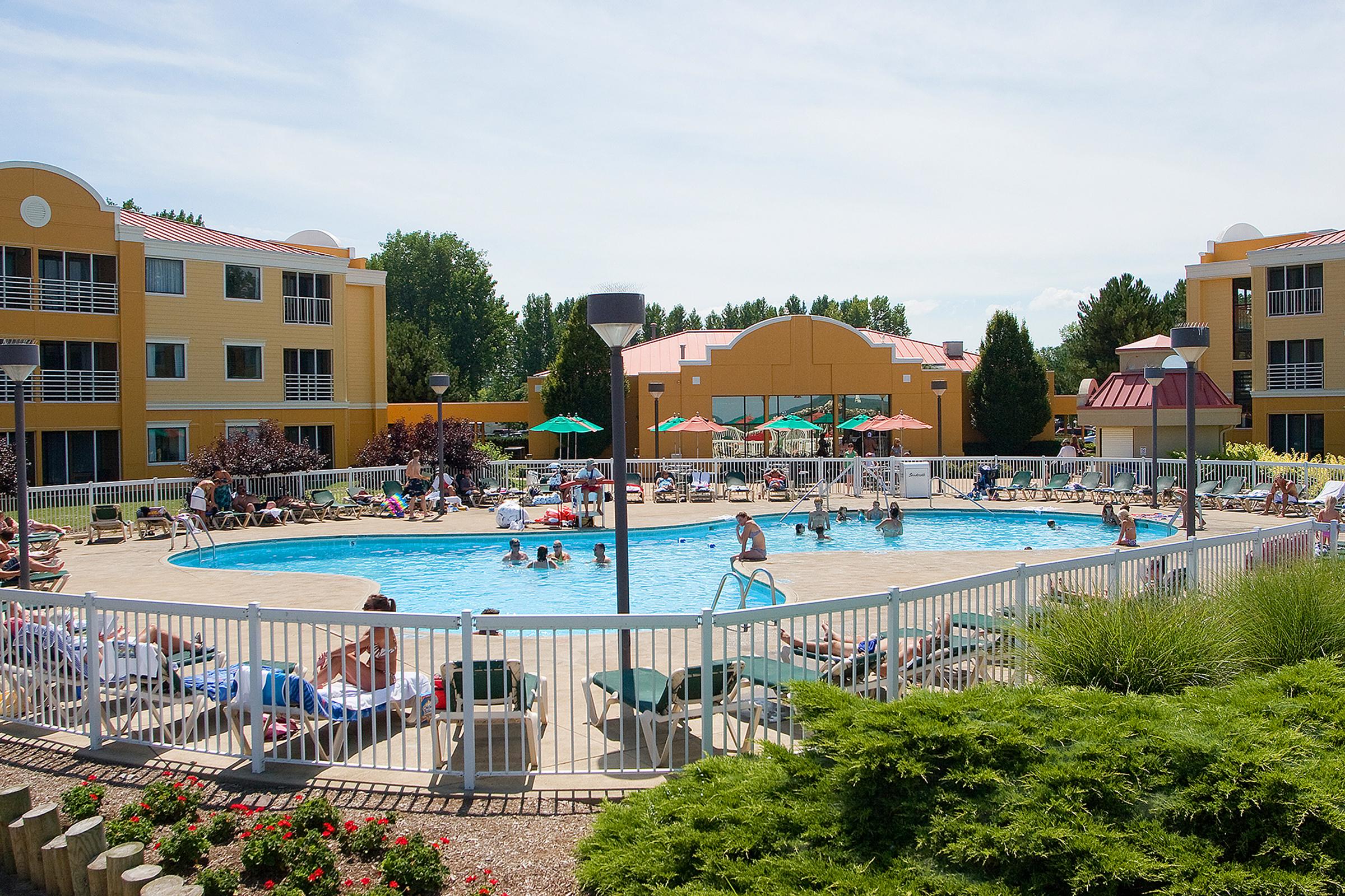 Cedar Point To Tear Down Hotel Sports Venue The Blade