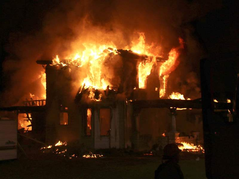 Officials confirm 5 people die in Seneca County house fire