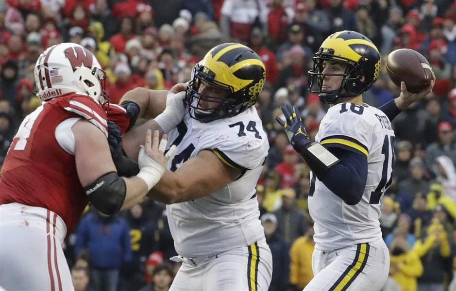 Michigan-Wisconsin-Football-1