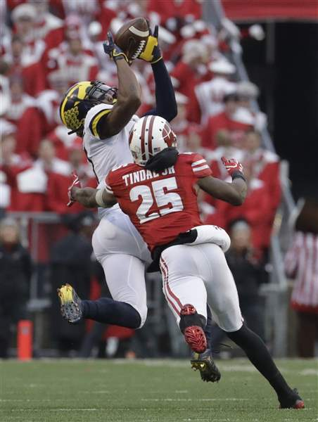 Michigan-Wisconsin-Football-9