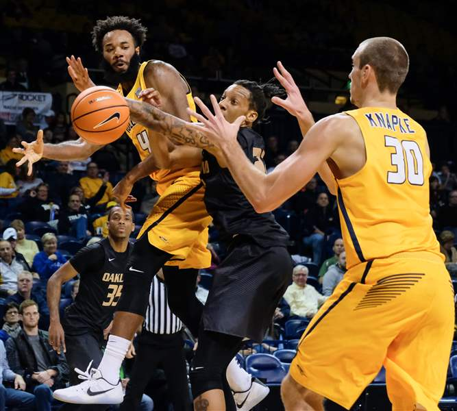 Toledo men beat Oakland, improve to 3-0 - The Blade