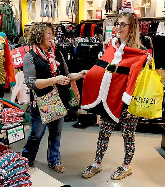 Black Friday shoppers take over UP Mall