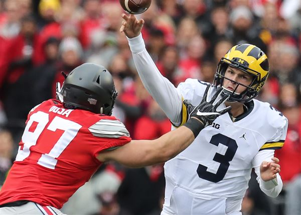 Wilton Speight will transfer from MI