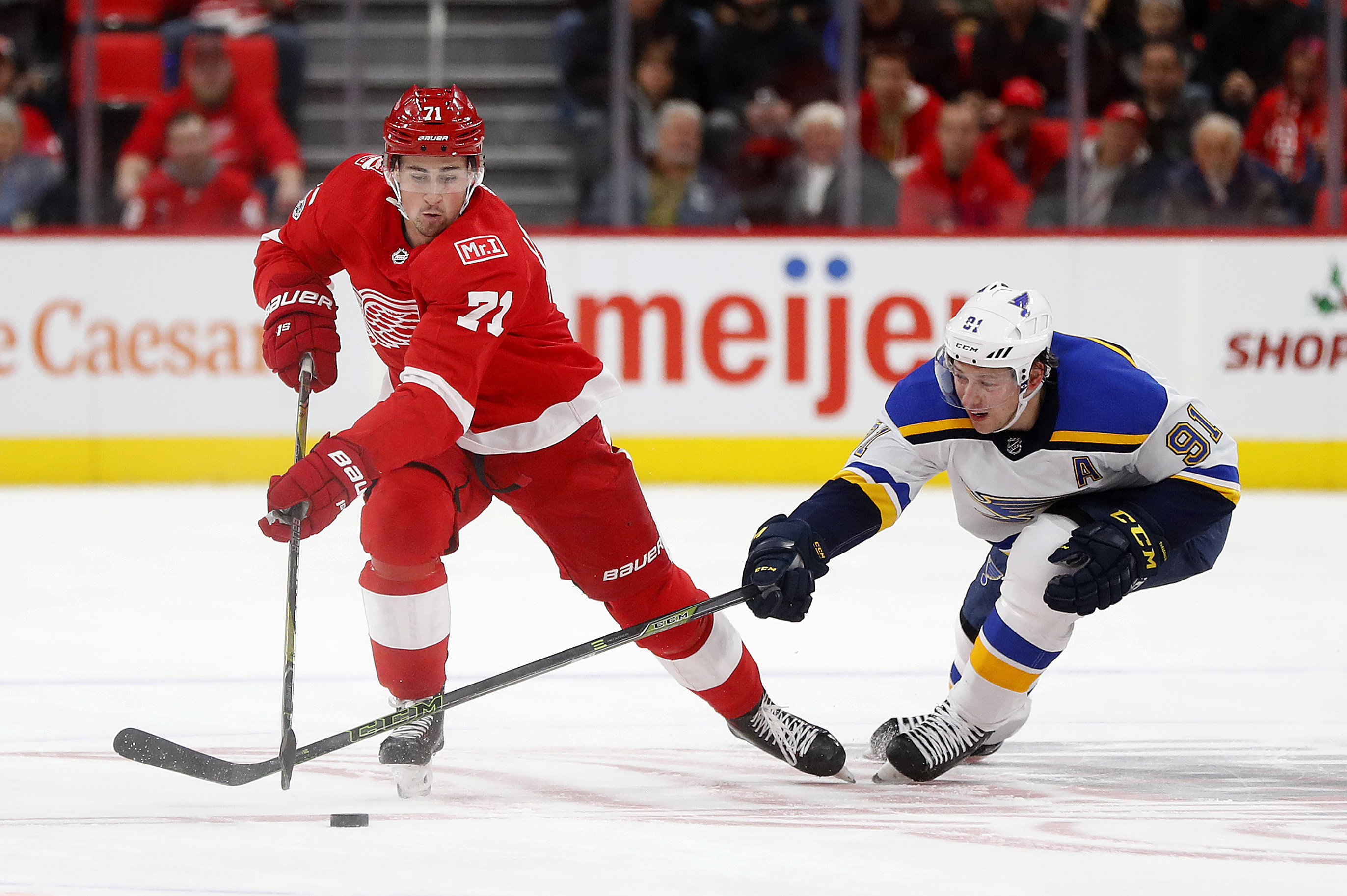 Red Wings continue to struggle with 6-1 loss to Blues ...