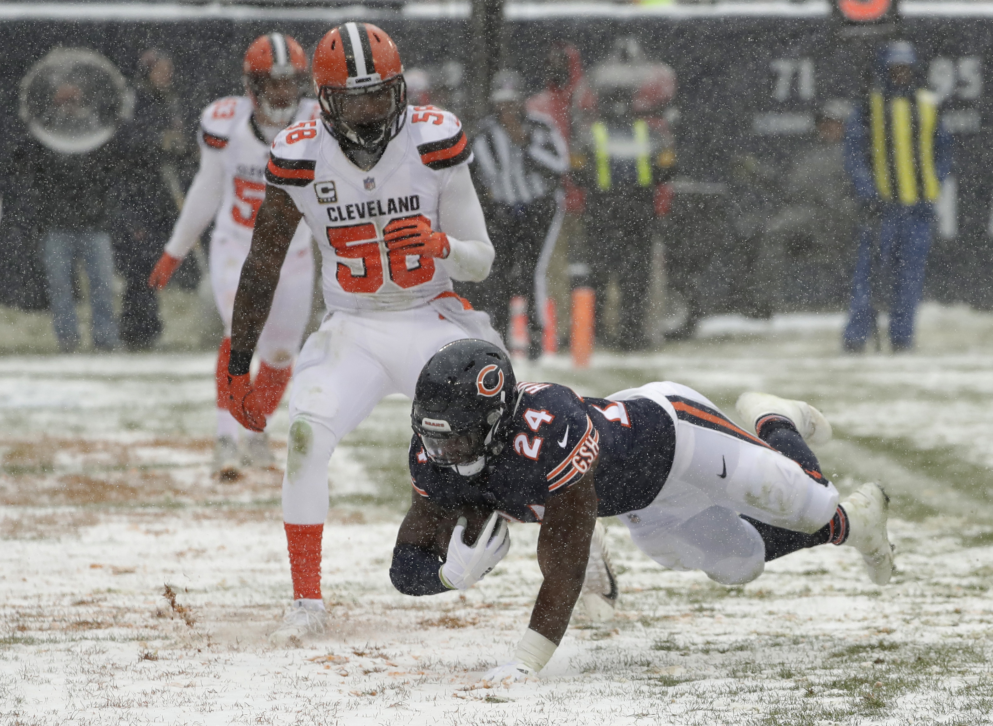 Browns Move To Brink Of Winless Season Lose To Bears