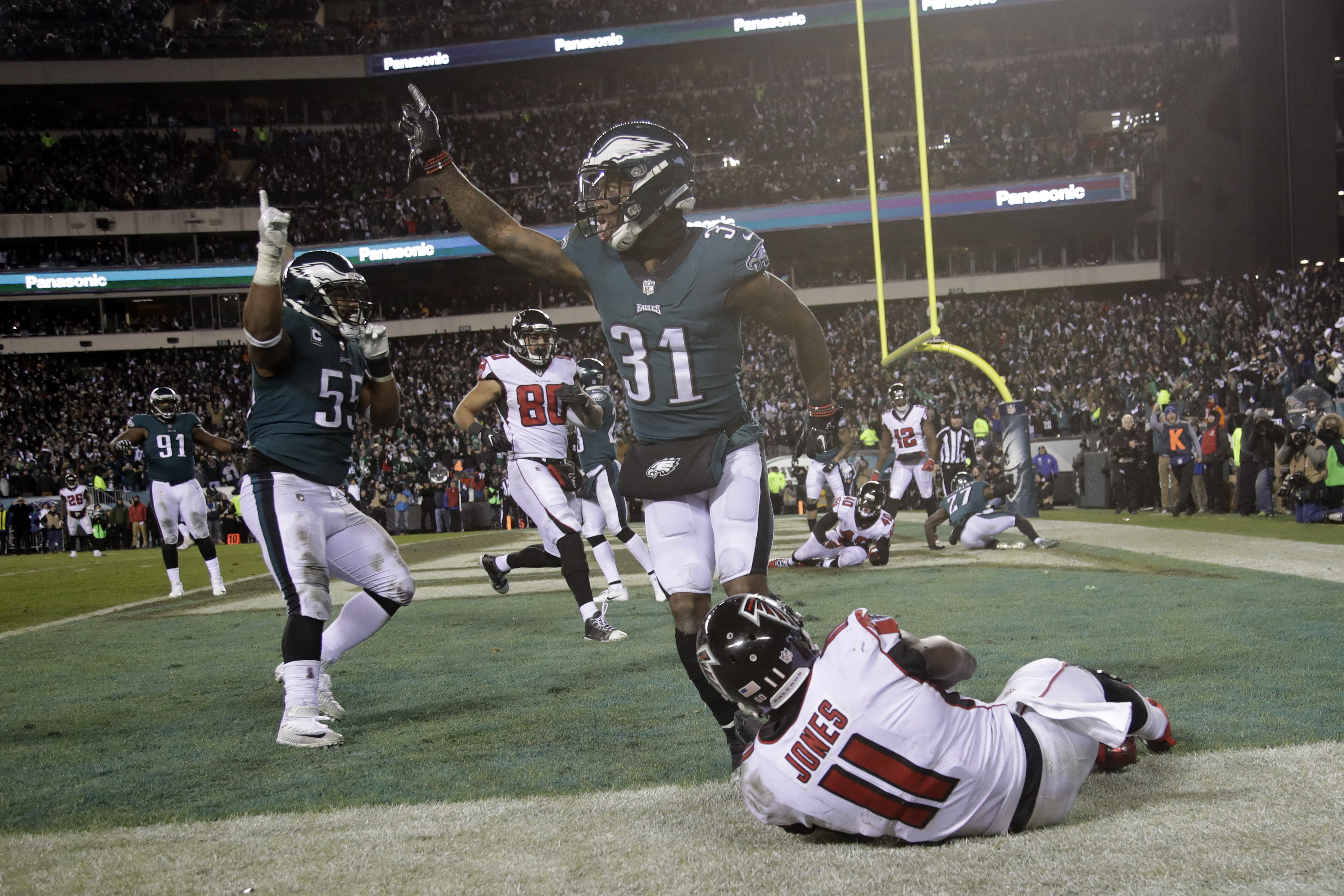 Eagles Use Goal Line Stand Field Goals To Clip Falcons The Blade
