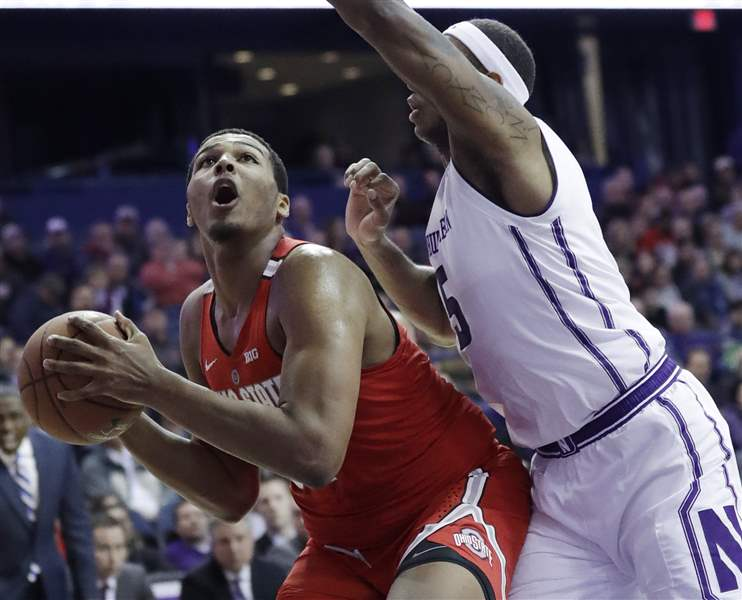 No. 22 Ohio State holds off Northwestern