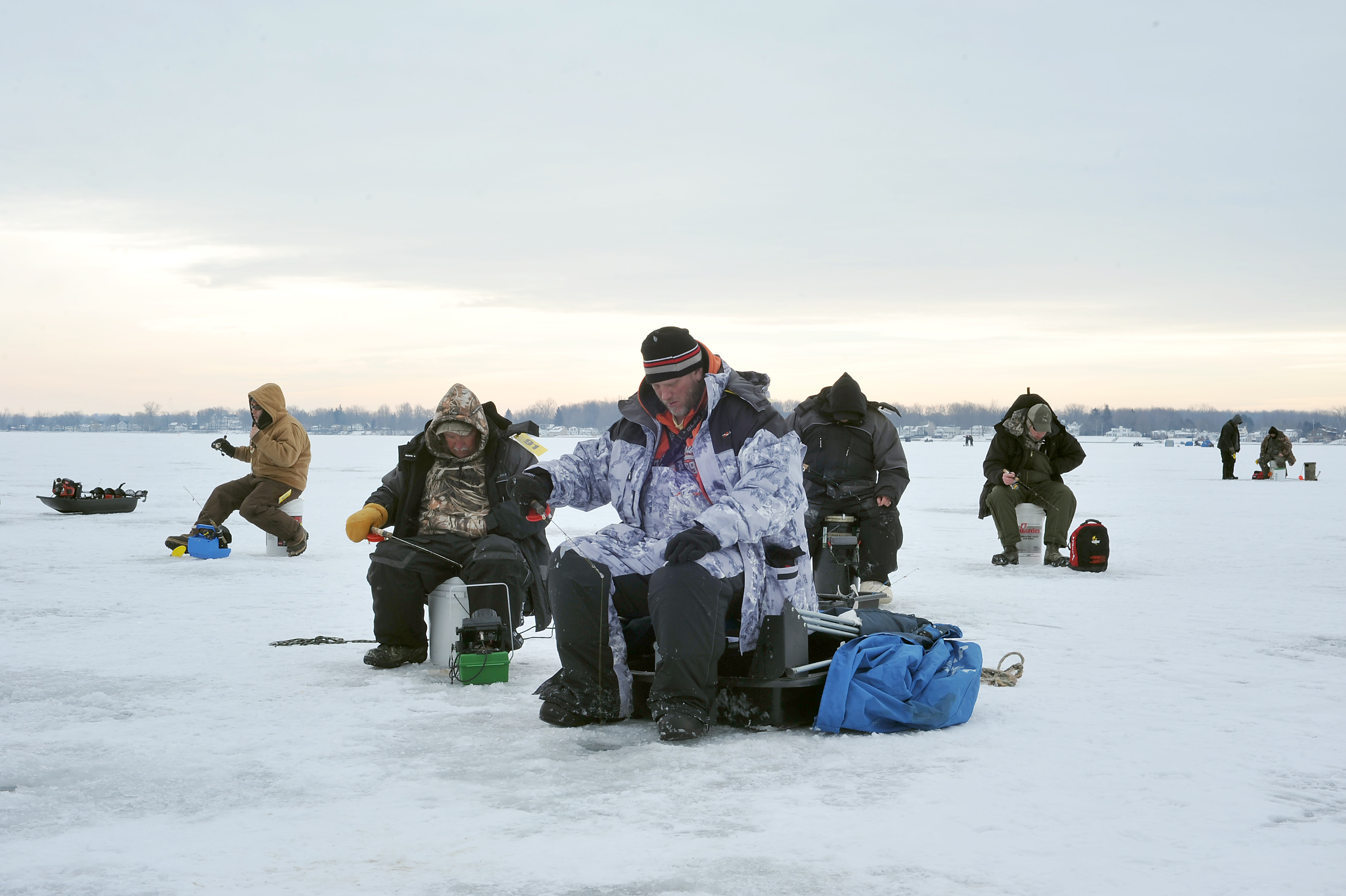 cold cash draws legions of ice fishermen to irish hills