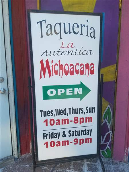La-Michoacana-entrance-sign