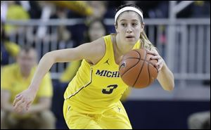 Katelynn Flaherty, shown in a game earlier this season, scored 19 points for No. 13 Michigan, but the Wolverines lost to Rutgers Sunday.