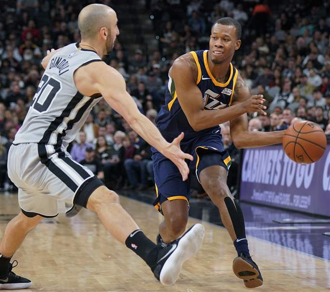 Cavaliers acquire Rodney Hood, George Hill in three-team deal