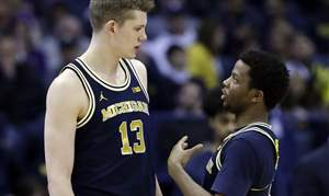 Michigan-Northwestern-Basketball-12