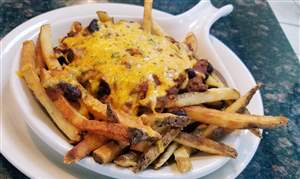 Bedford-Diner-chili-cheese-fries