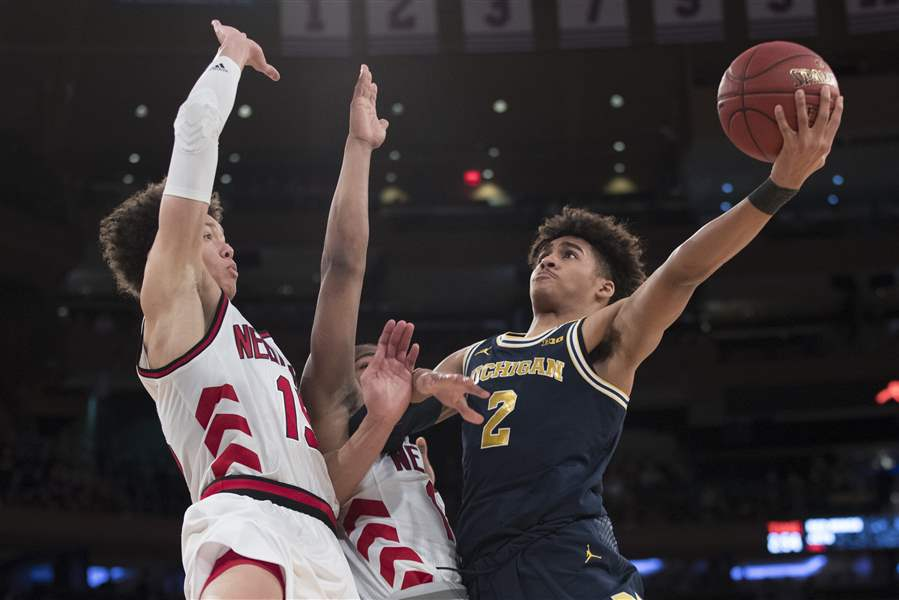 B10-Michigan-Nebraska-Basketball-2