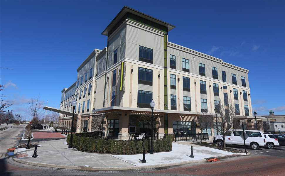 Extended stay hotel opens in perrysburg the blade for Jewelry store levis commons perrysburg
