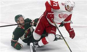 APTOPIX-Red-Wings-Wild-Hockey-1