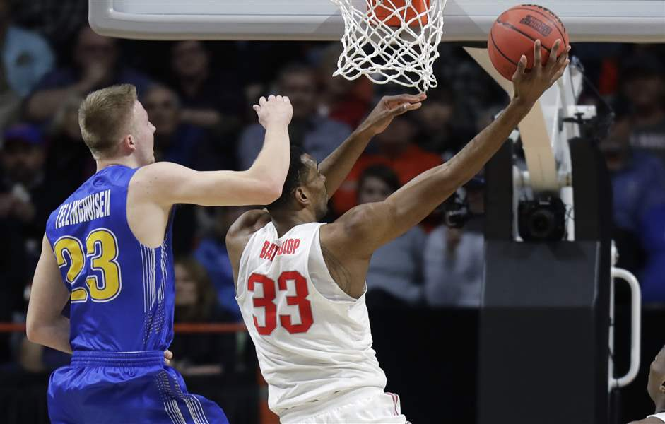 Men's college basketball: Ohio State battles but bounced from tourney