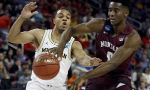 NCAA-Montana-Michigan-Basketball-15
